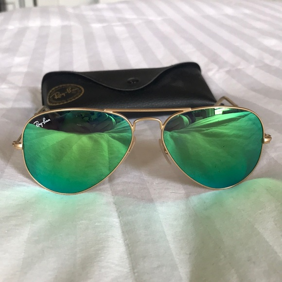 961a129ab4 Ray-Ban Aviators gold frame green flash lenses. M 5ac8d69d46aa7c883bc0e301